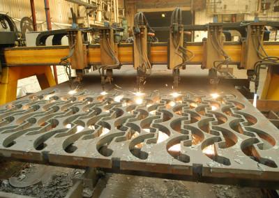 Multihead flame cutting
